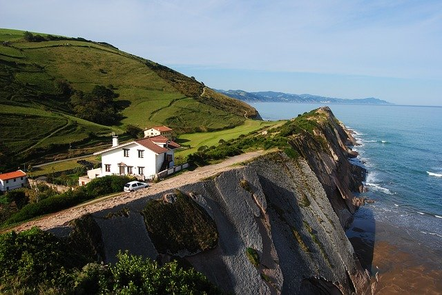 basque-country-1033639_640 The Ultimate Spain Itinerary 14 days: The Sun, The Glam, The Munch, The Culture