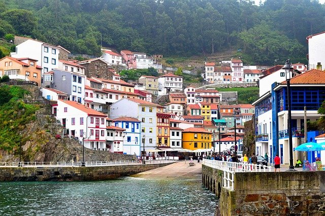 cudillero-2715624_640 The Ultimate Spain Itinerary 14 days: The Sun, The Glam, The Munch, The Culture