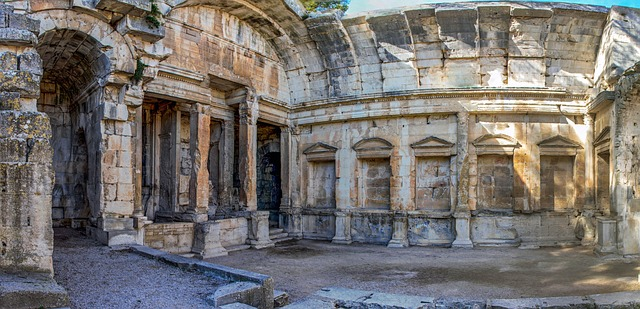 temple-of-diana-3613630_640 France Itinerary 1 Week