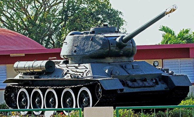 tank-2536465_640 Cuba Itinerary 10 days: Enjoy All Its Magnificence