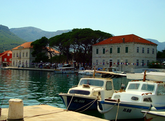 town-955197_640 Croatia Five Day Itinerary: 5 Ways to Tackle it
